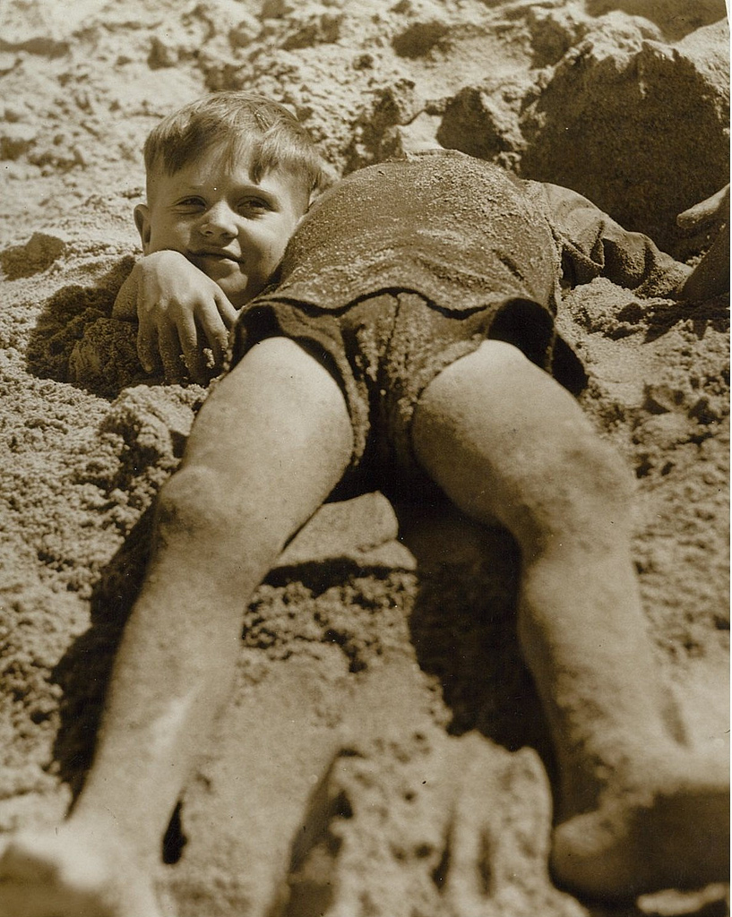 Billy and Graham Green from the Salvation Army Camp practise a little deceit, Collaroy Beach, ca. 1940 / photographer unknown Format: Photograph Search for more great images in the State Library's collections: acms.sl.nsw.gov.au/search/SimpleSearch.aspx From the collection of the State Library of New South Wales www.sl.nsw.gov.au