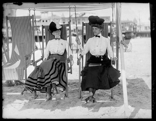 Atlantic City Beach. Maker: William M. Vander Weyde. Date: ca. 1905. Medium: negative, gelatin on glass Dimensions: 8.5 x 6.5 in. George Eastman House Collection General – information about the George Eastman House Photography Collection is available at www.eastmanhouse.org/inc/collections/photography.php.