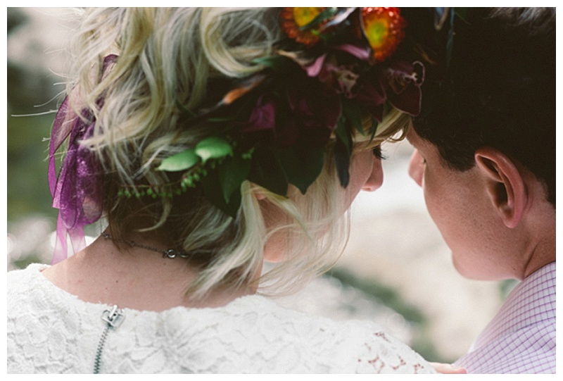 Red Barn Fruit Farm Engagement Session | NovaMarkina Photography | Joy Wed blog http:joy-wed.com
