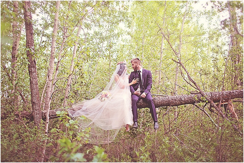 Into The Woods Inspiration Shoot | Eternal Reflections Photography | Joy Wed blog http://www.joy-wed.com
