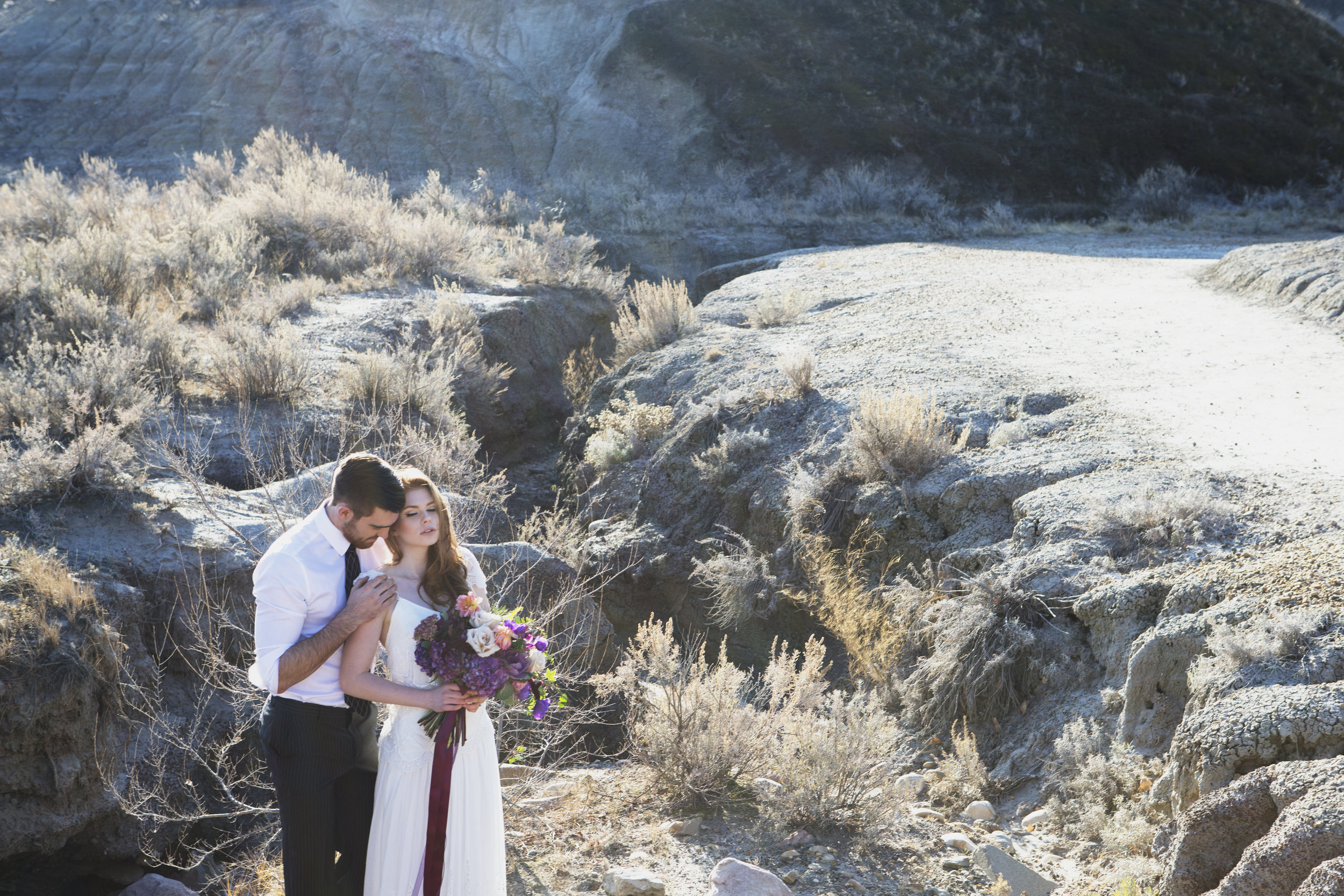 Badlands Photoshoot | Danielle Lucier Photography | Joy Wed blog