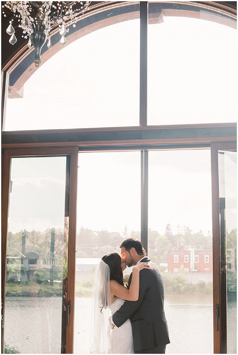 Cambridge Mill Wedding | NovaMarkina Photography | Joy Wed | www.joy-wed.com