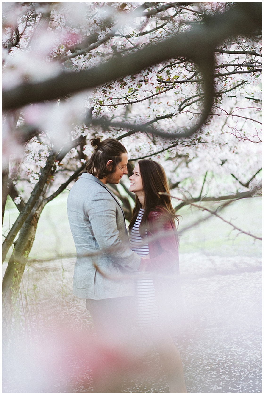 Cherry Blossom Engagement Session | Indigo Lace Collective | Joy Wed blog | http://www.joy-wed.com