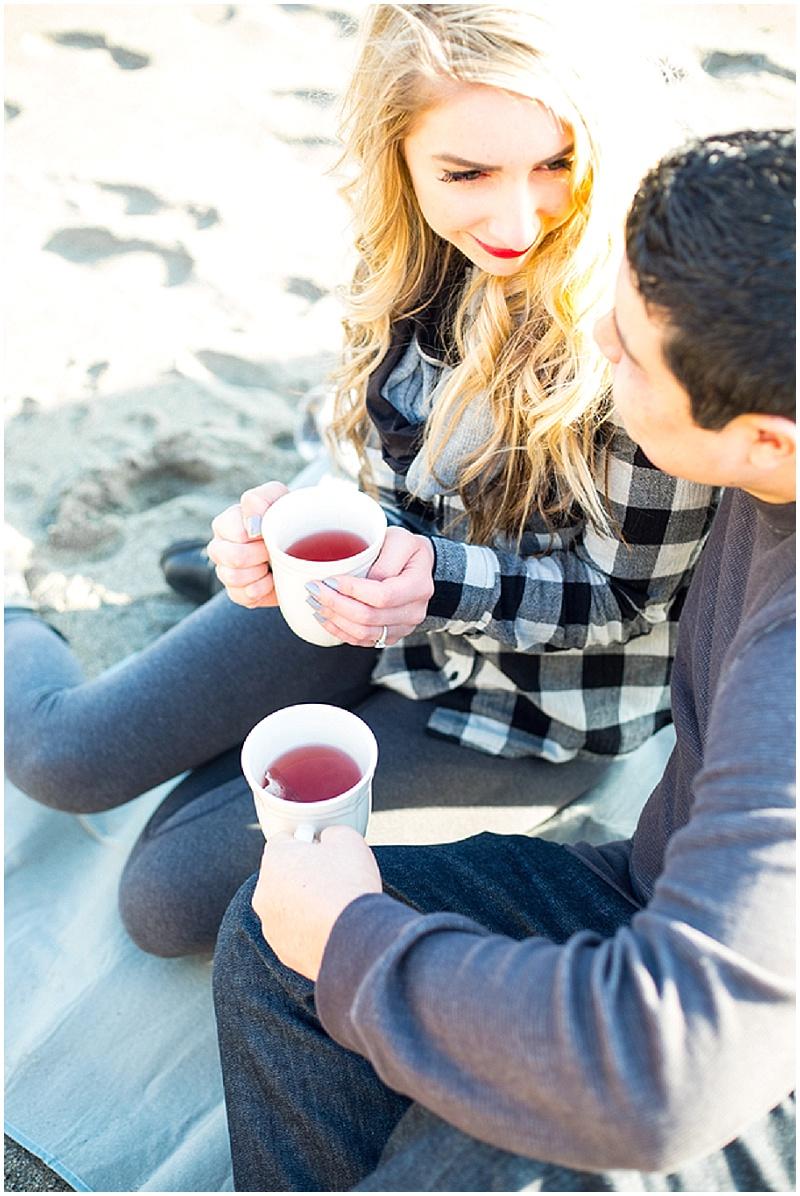 Beach Engagement | Solie Designs | Joy Wed blog | http://www.joy-wed.com