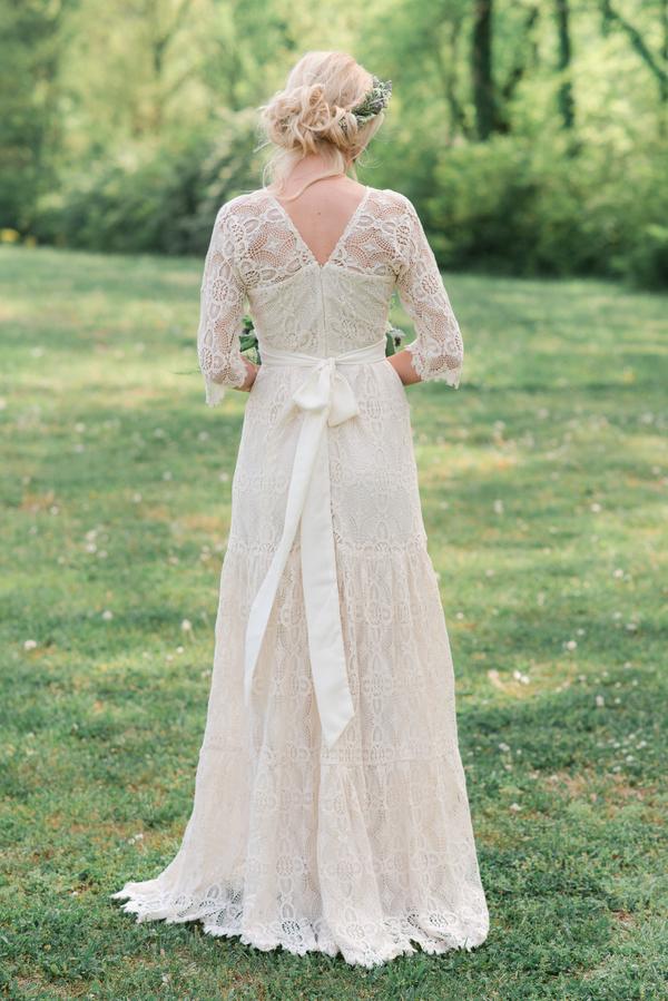 Backyard Nashville Wedding   Rebecca Denton Photography   Joy Wed blog   http://www.joy-wed.com