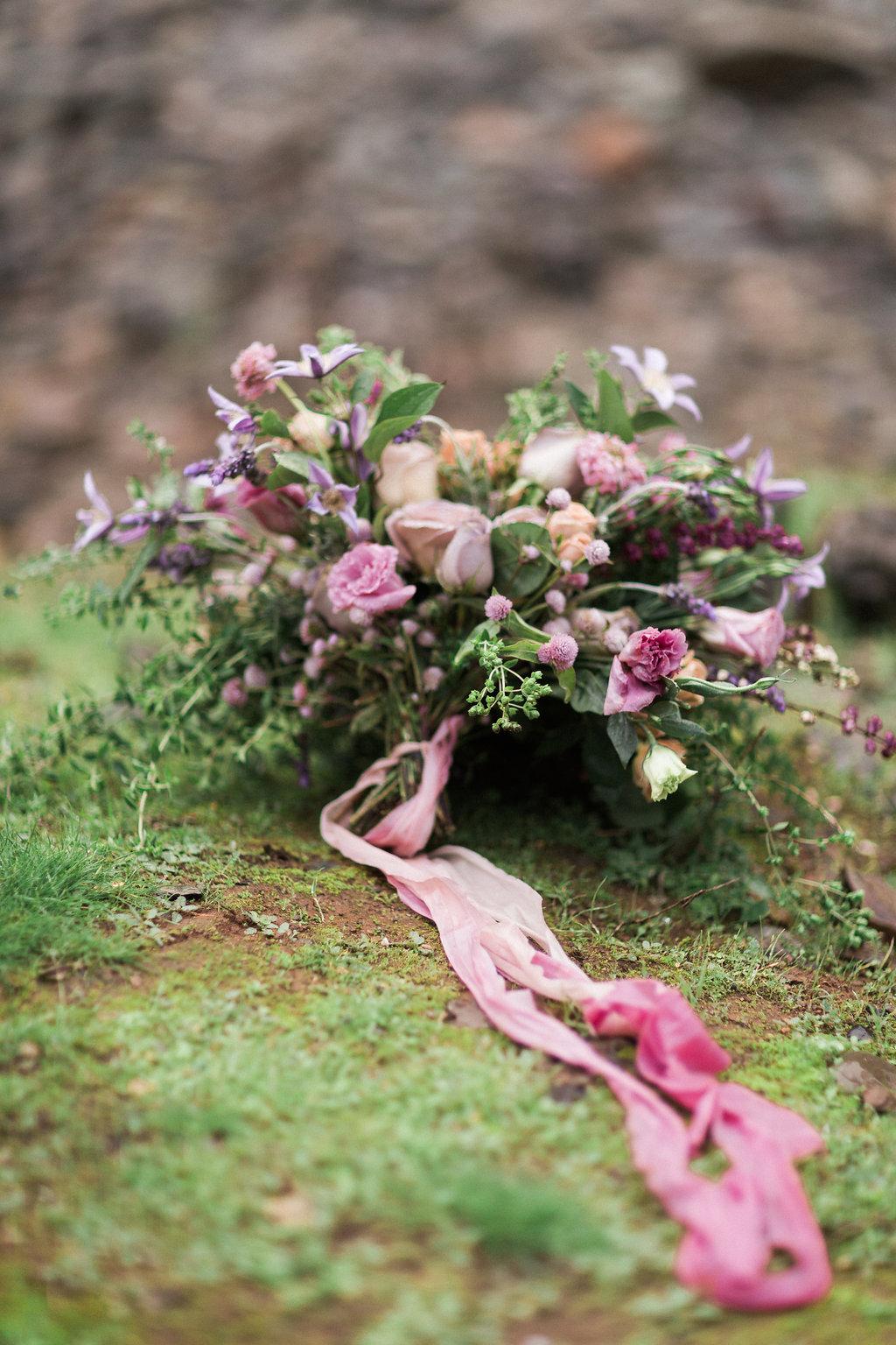 Romantic Bridal Boudoir | Ashley Noelle Edwards Photographs | Joy Wed blog | http://www.joy-wed.com