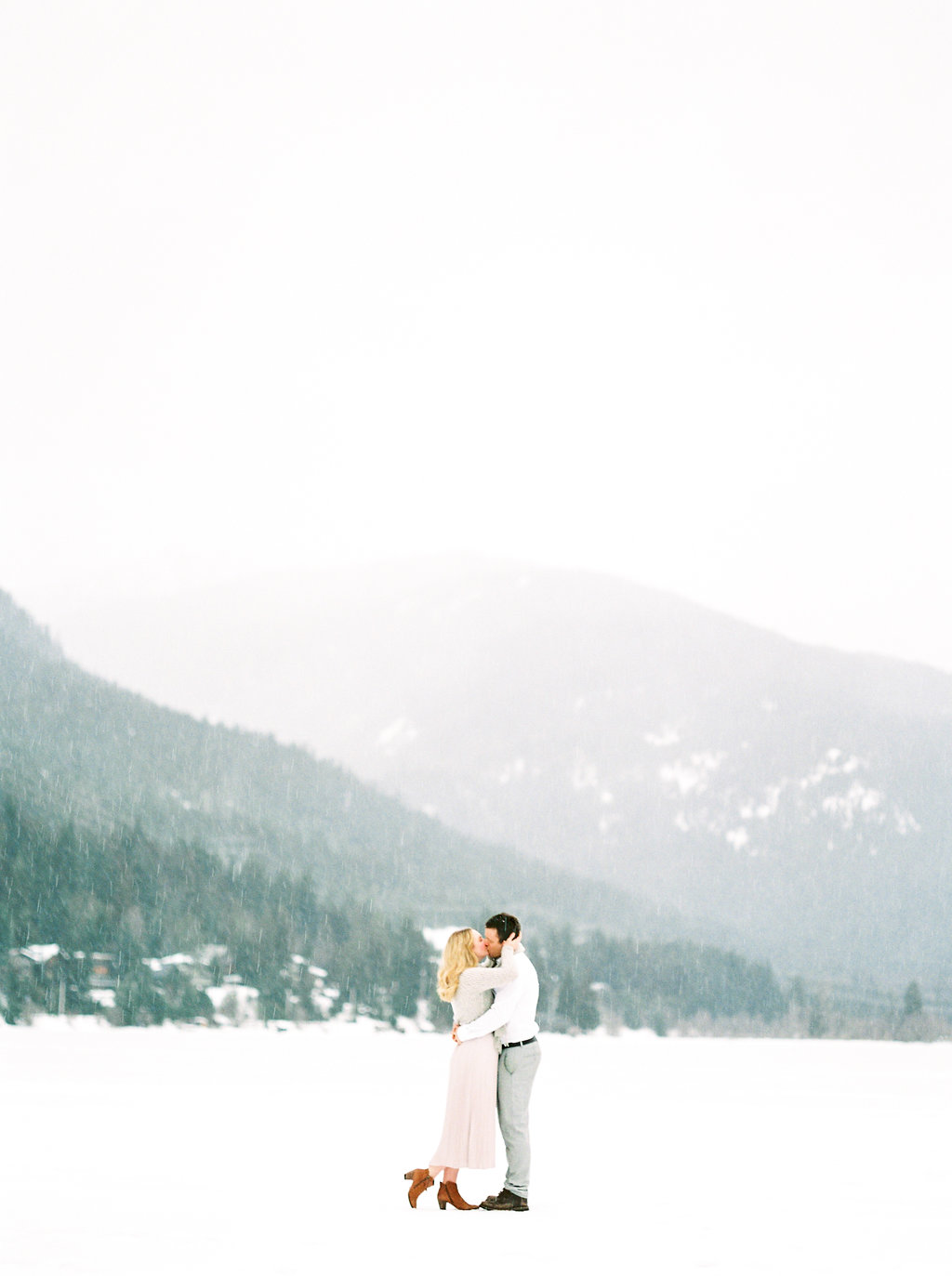 Winter Whistler Engagement Session | Christine Pienaar Photography | Joy Wed | http://www.joy-wed.com