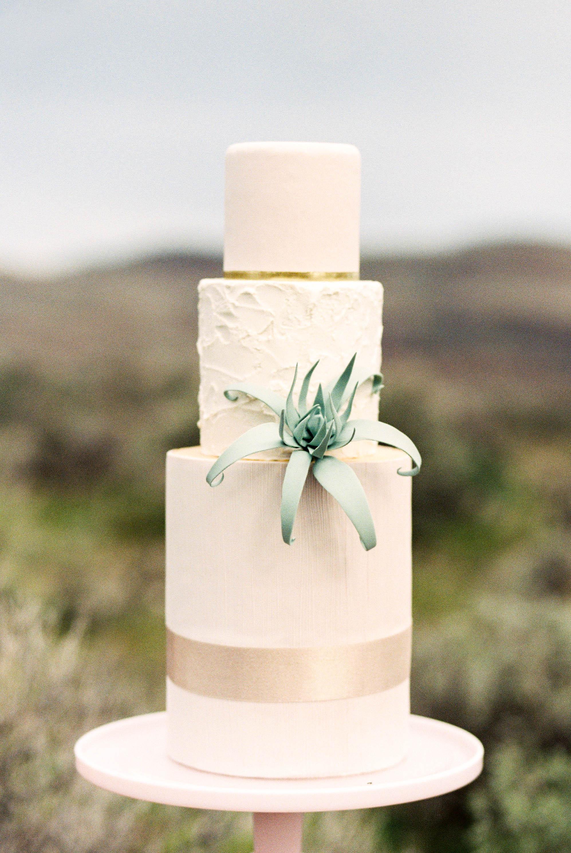 Desert Elopement | Kerry Jeanne Photography | Joy Wed blog | http://www.joy-wed.com