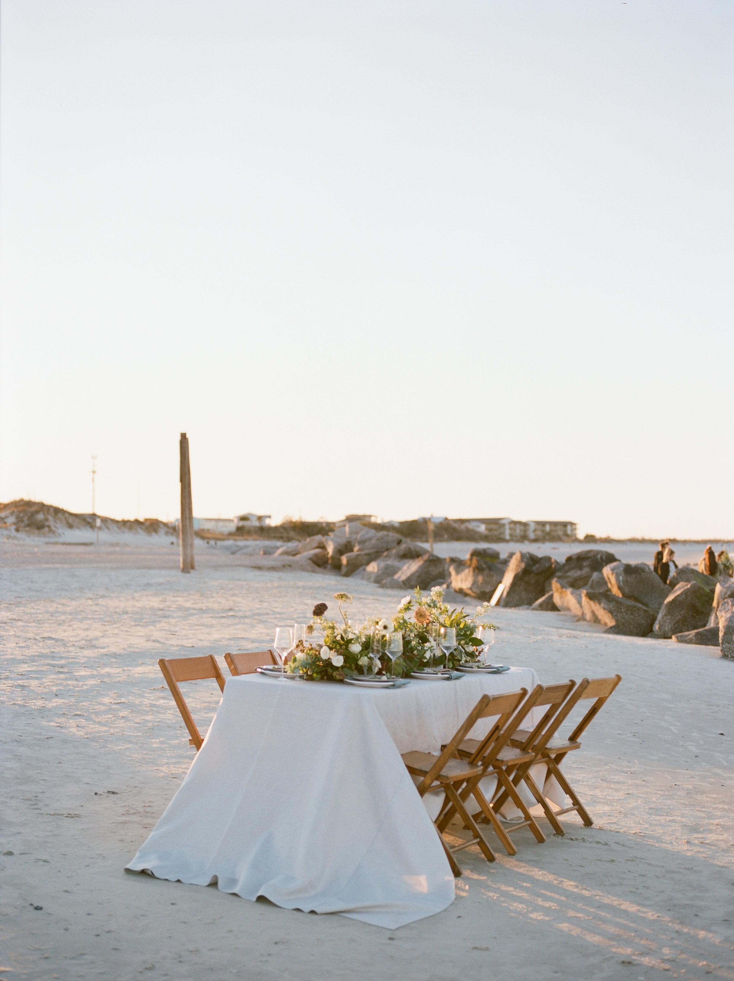 Savannah Wedding Inspiration | Beach Wedding Inspiration | Organic Beach Wedding | Lyndi and Jason Photography | Joy Wed