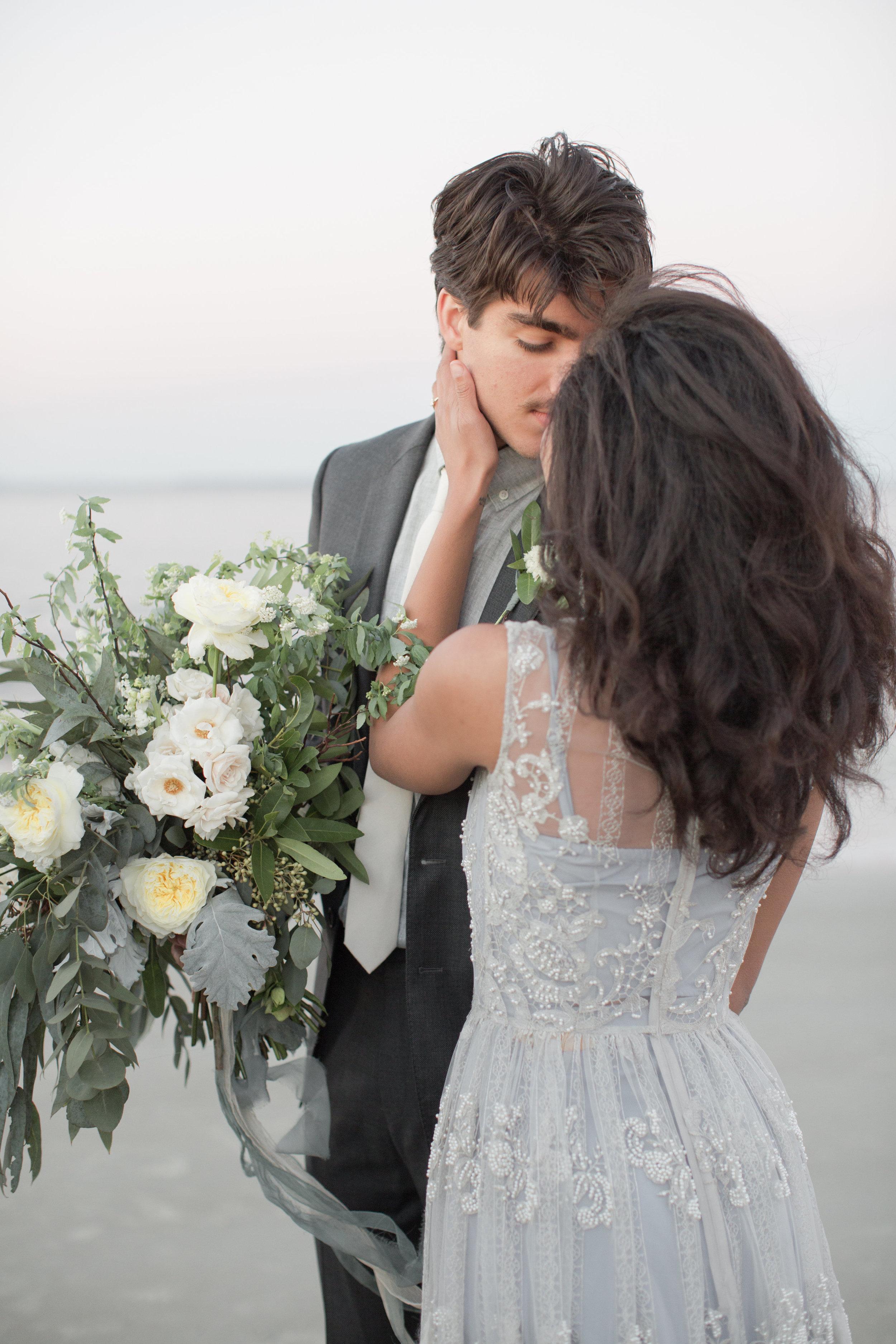 Savannah Wedding Inspiration | Beach Wedding Inspiration | Grey Wedding Dress | Organic Beach Wedding | Lyndi and Jason Photography | Joy Wed