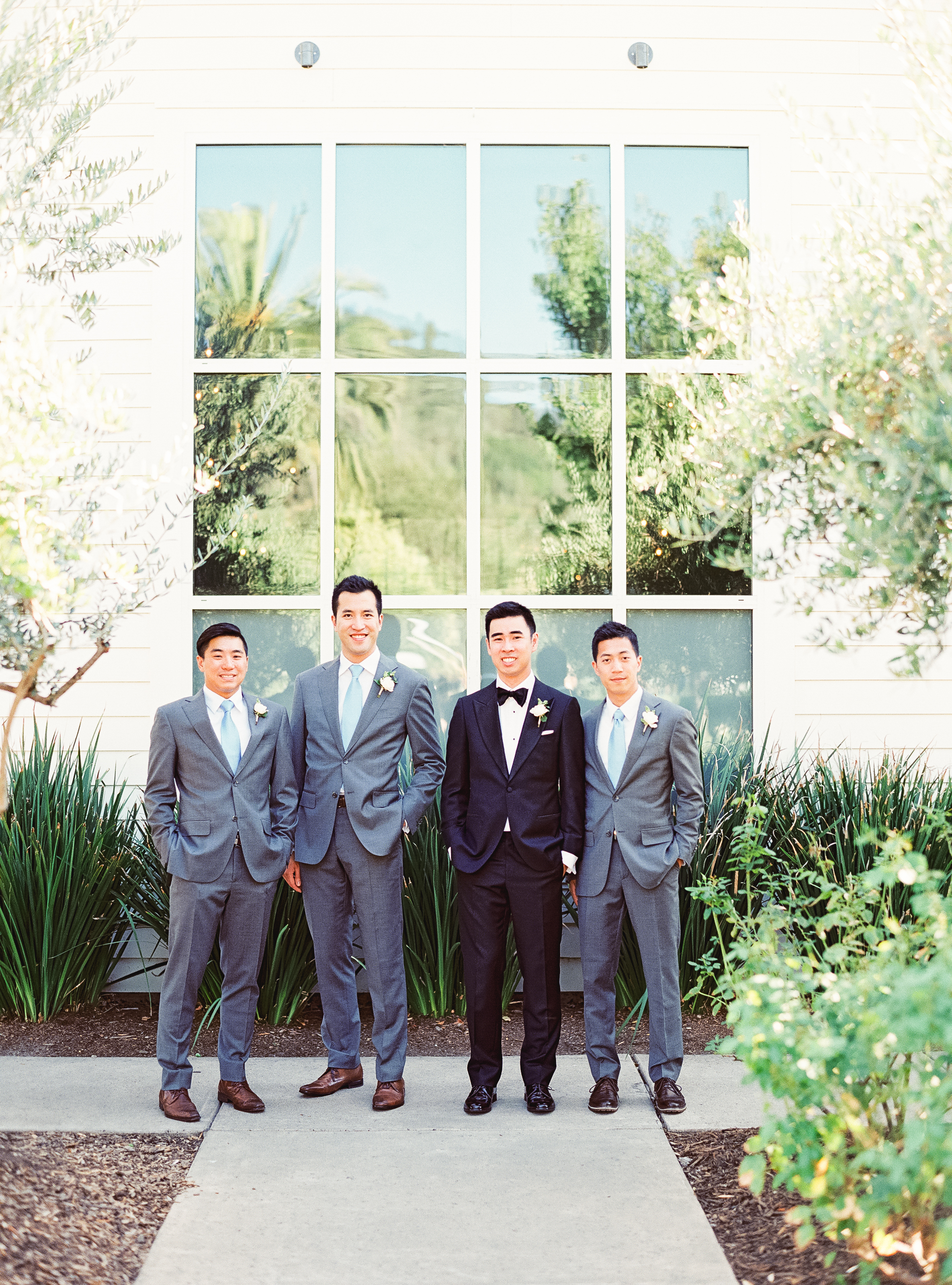 Napa Valley Wedding | Michele Beckwith | Chinese Wedding | Vineyard Wedding | Fine Art Wedding Blog | Joy Wed | Groom | Grey Suits