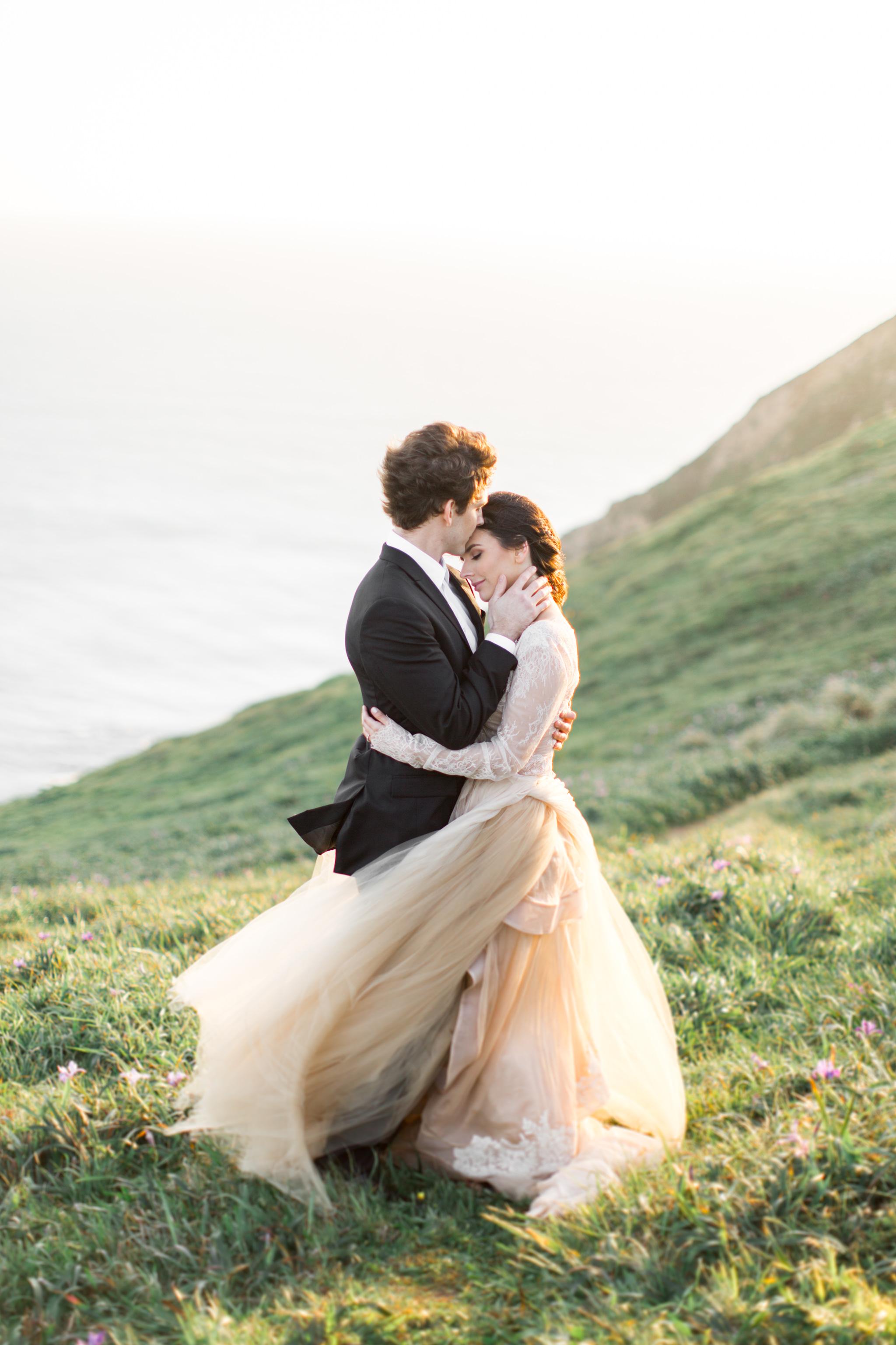 Cliffside Wedding | Tyler Rye Workshop | Point Reyes | Nicole Lapierre | Canadian Wedding Blog | Canadian Photographer | Joy Wed | Fine Art Wedding Blog | Peach Wedding Dress