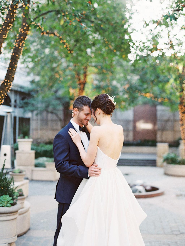 Parisian Wedding Inspiration   Alba Rose Photography   Parisian Wedding   Fine Art Wedding Blog   Joy Wed   Romantic Wedding Inspiration