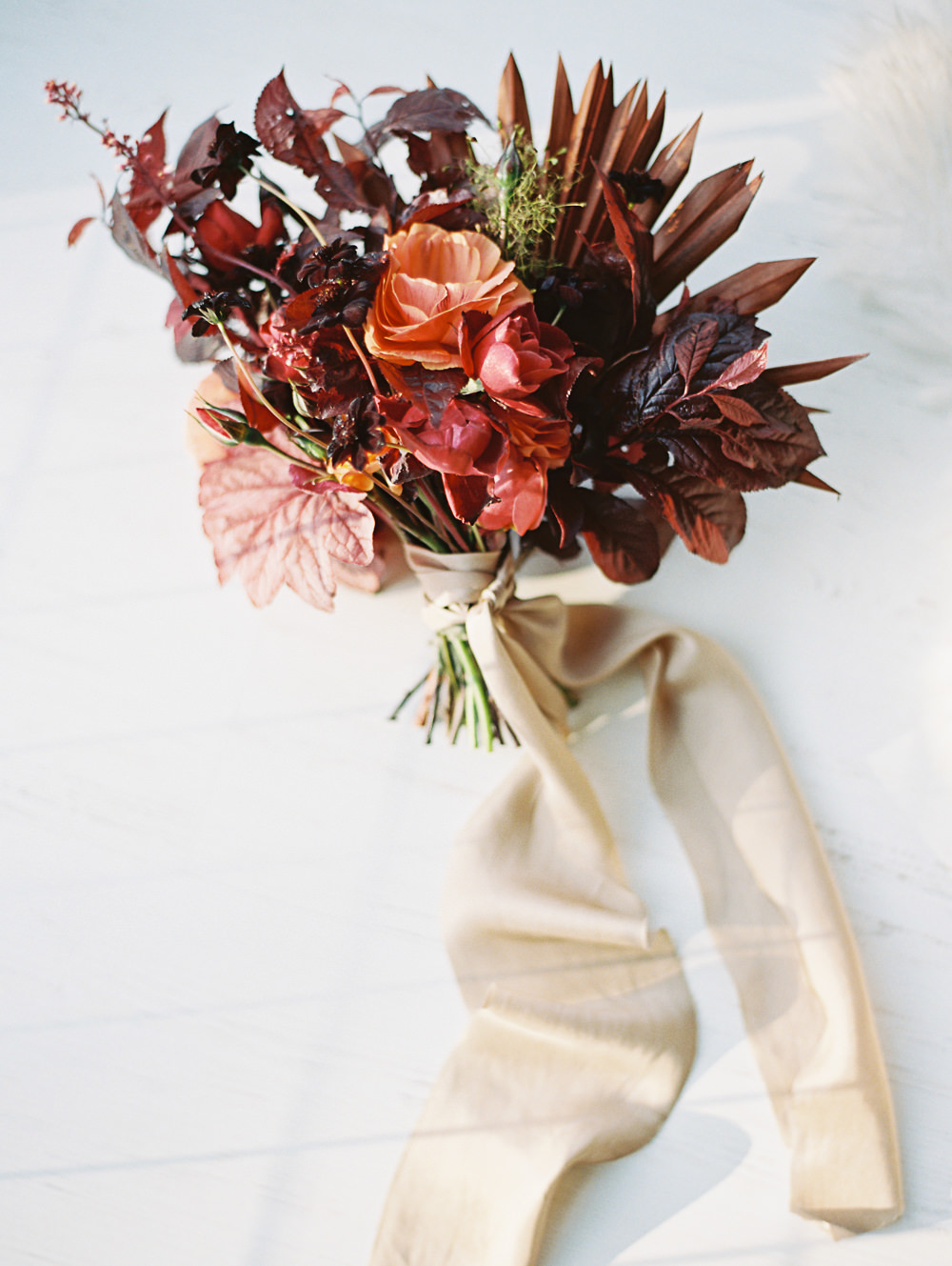 Fall Wedding | Wedding at The Lodges on Vashon | Anna Peters | Fall Wedding Bouquet | Fine Art Wedding Blog | Canadian Wedding Blog | Joy Wed