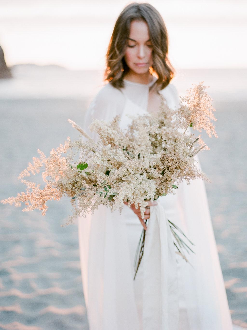 California Beach Wedding | Beach Wedding | Minimalist Wedding | Madalina Sheldon | Anda Ambrosini | Fine Art Wedding Blog | Canadian Wedding Blog | Joy Wed