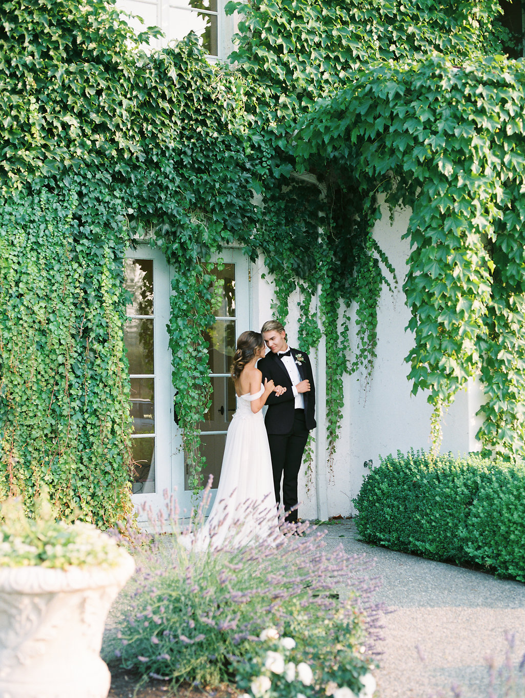 LuxProvenceWeddingInspired-SavanMentorshipbyJonandMochPhotography(39of75).jpg