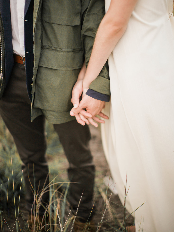Natural Beach Elopement | Beach Wedding | Angela Elise Photography | Organic Wedding | Virginia Wedding | Virginia Photographer | Fine Art Wedding Blog | Joy Wed | Stacey Foley Design