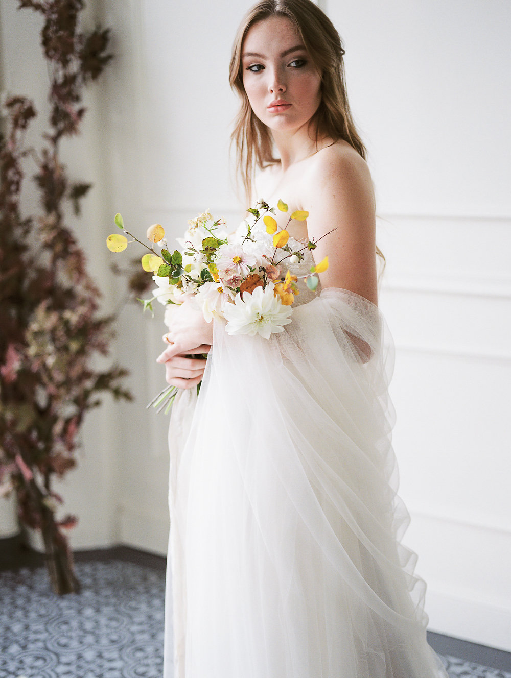 French Inspired Bridal Session | When She Knew Photography | Oregon Photographer | Oregon Wedding | Brittney Boone | Fine Art Wedding Blog | Joy Wed | Yellow and Blue Wedding | Spring Wedding
