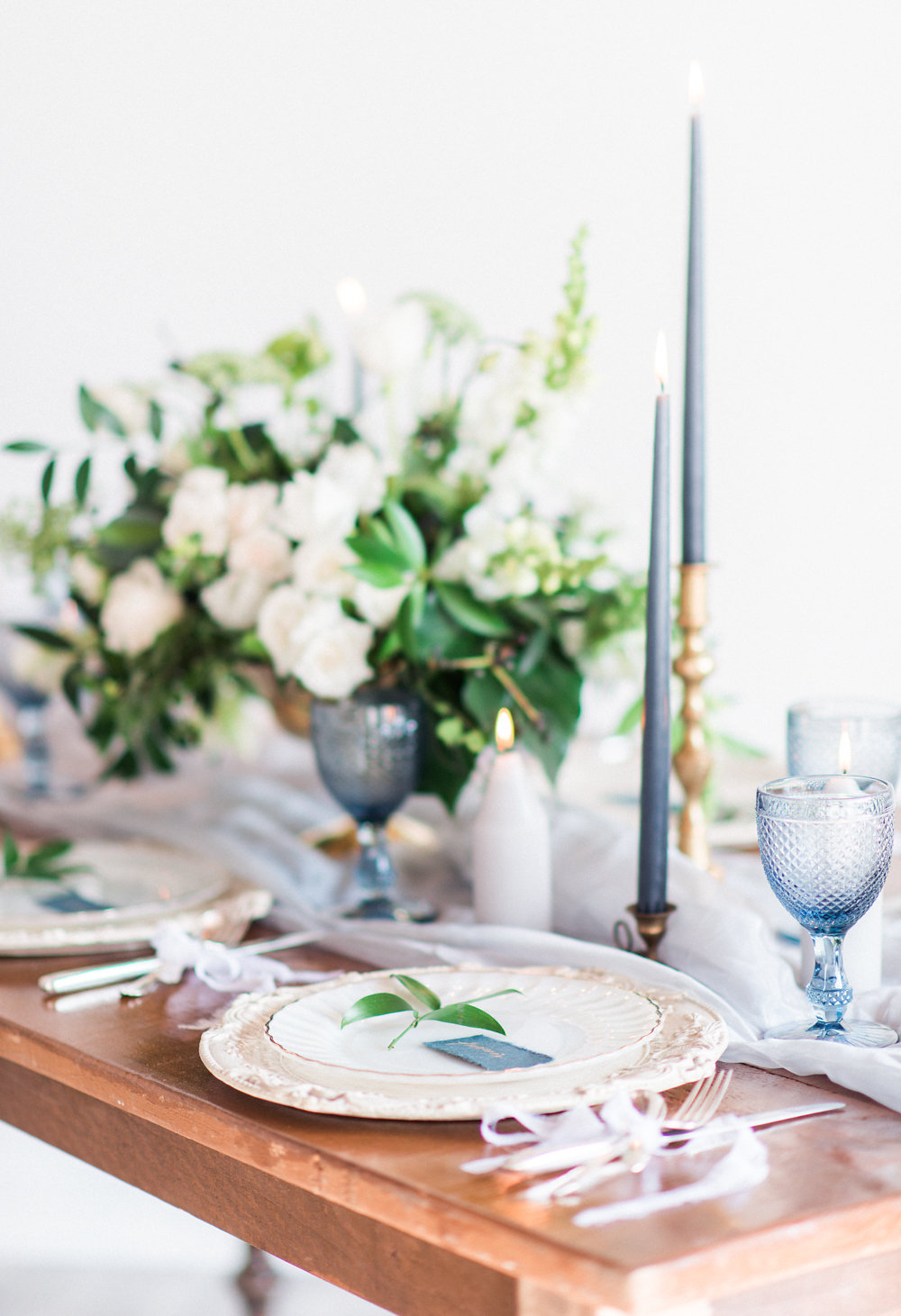 European Wedding Inspiration | Whitney Heard Photography | Toronto Wedding Photographer | Canadian Wedding | Joy Wed | Blue and White Wedding | Fine Art Wedding Blog