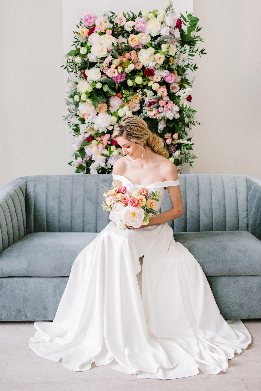 Romantic Wedding Inspiration | Spring Wedding | Summer Wedding Inspiration | Kristyn Harder Photography | Calgary Wedding Photographer | Calgary Wedding Florist | Fine Art Weddding Blog | Joy Wed