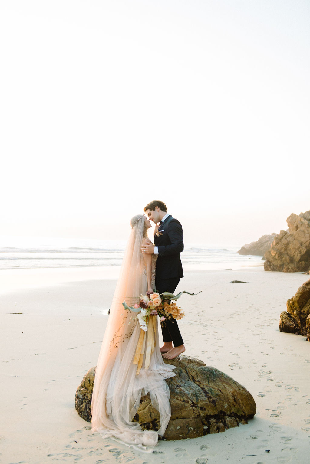 Ocean Wedding | Rust Wedding | Lizelle Goussard Photography | Joy Wed | Canadian Wedding Blog | Dubai Wedding | Dubai Photographer | Fine Art Wedding