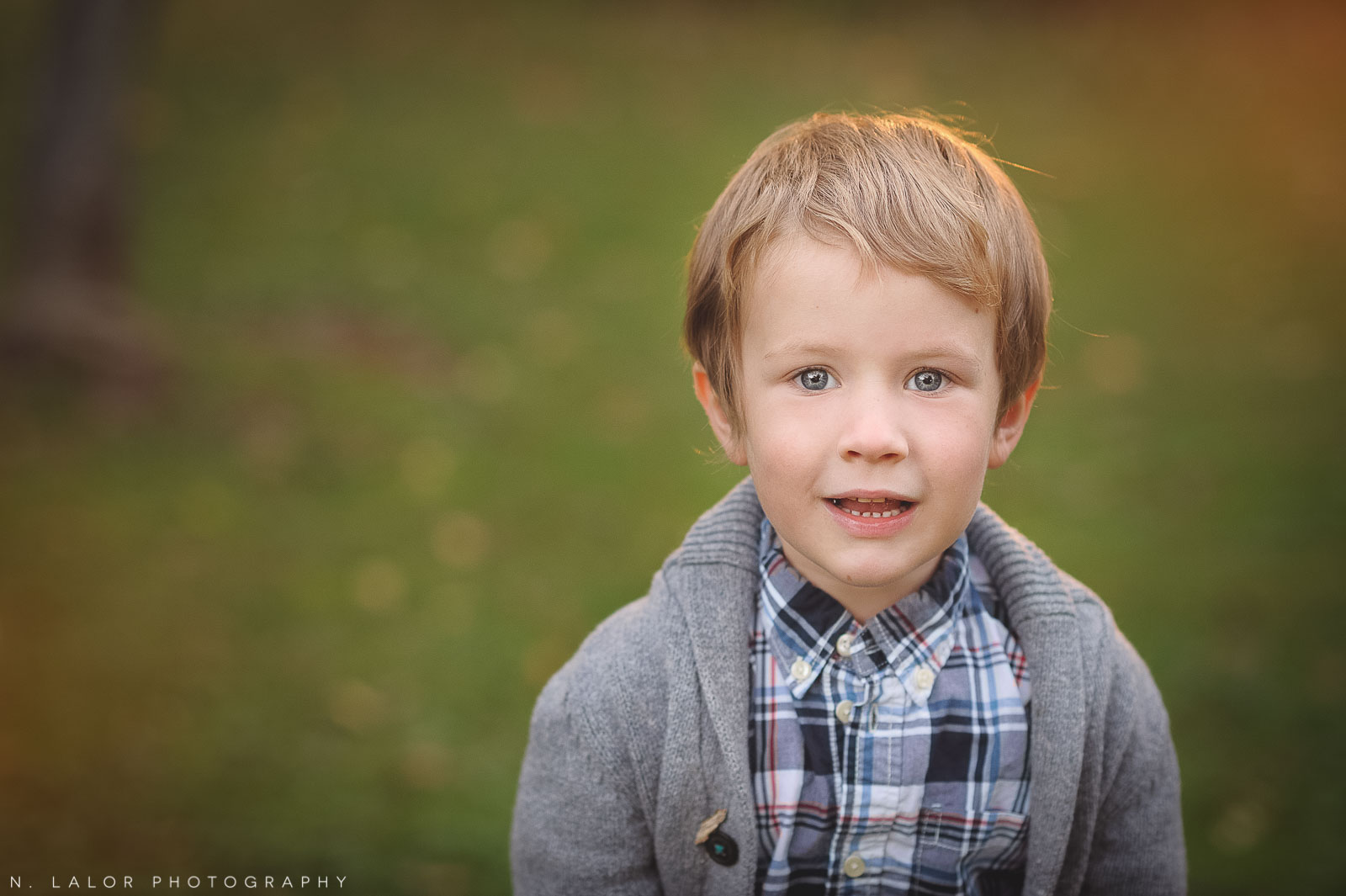 nlalor-photography-boy-fall-new-canaan-nature-center-photo-session-4.jpg