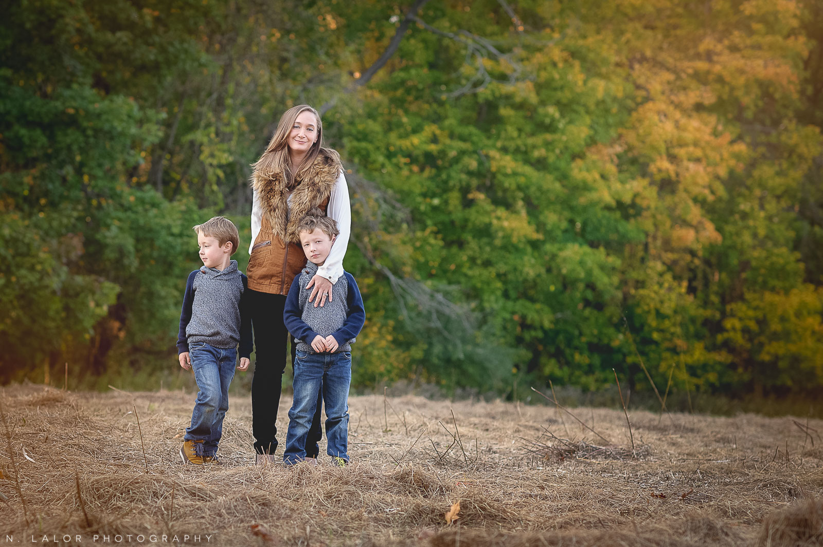 nlalor-photography-2014-styled-family-life-new-canaan-nature-center-fall-13.jpg
