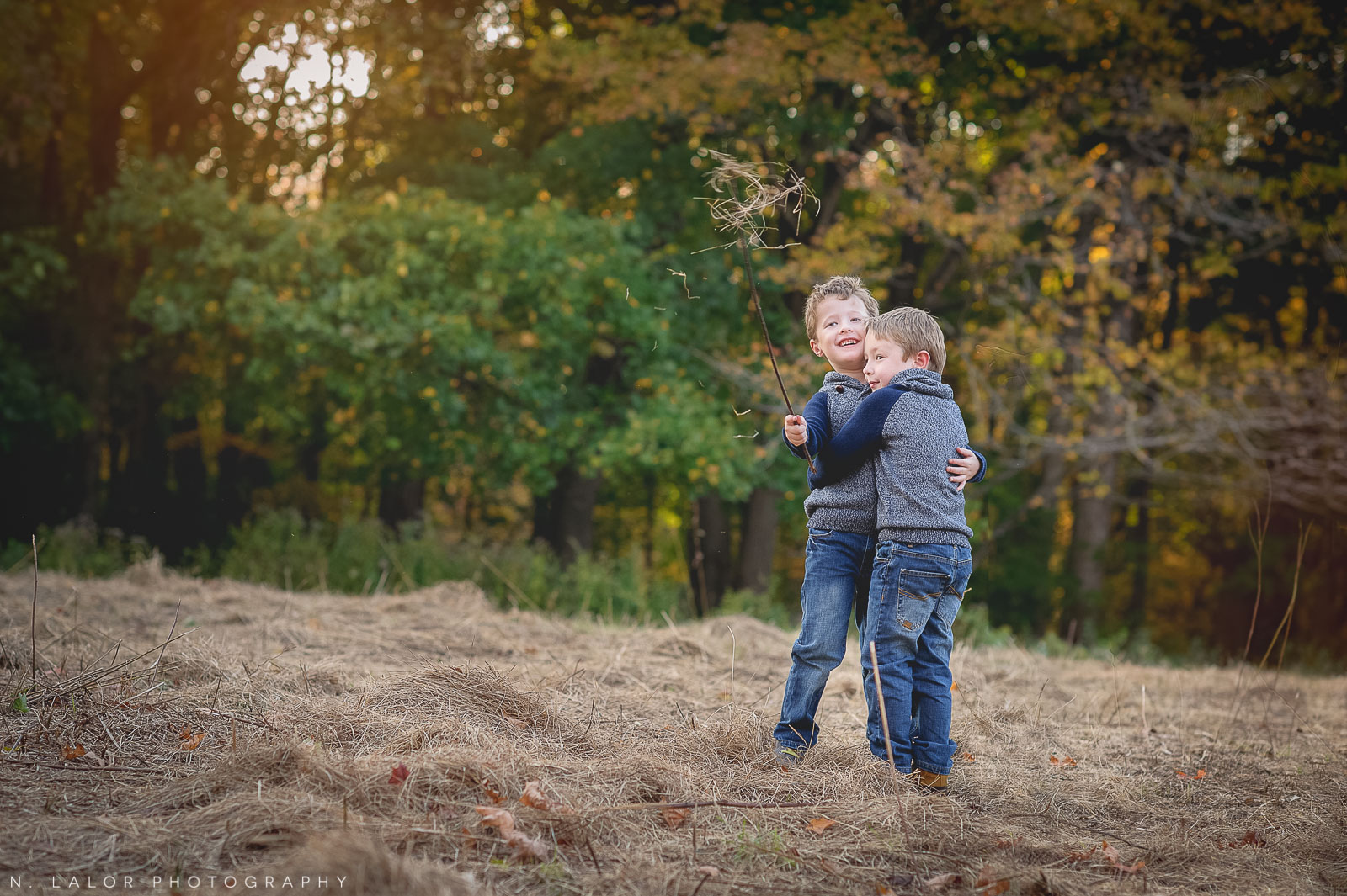nlalor-photography-2014-styled-family-life-new-canaan-nature-center-fall-15.jpg