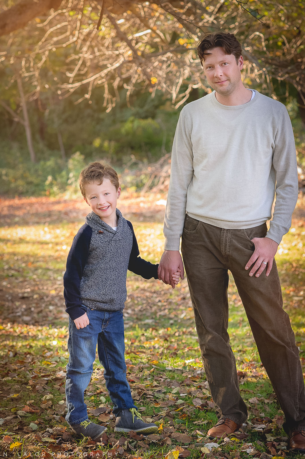 nlalor-photography-2014-styled-family-life-new-canaan-nature-center-fall-6.jpg
