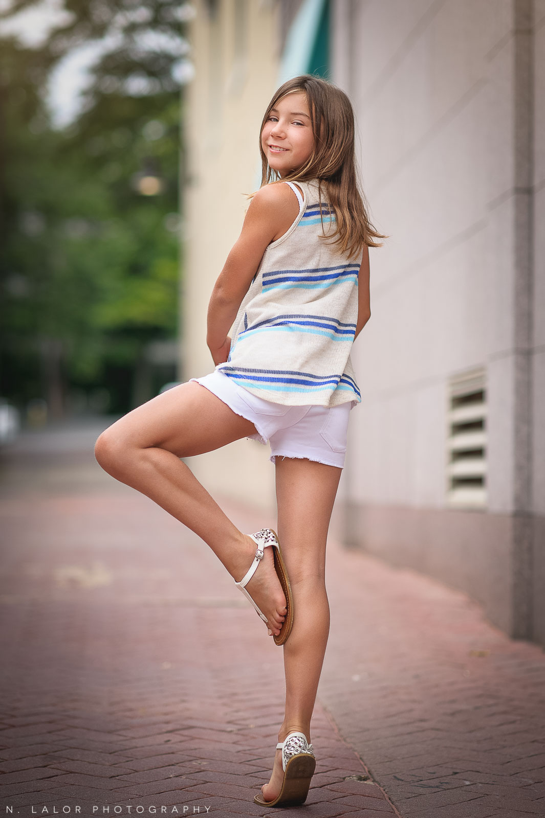 nlalor-photography-090314-fun-styled-tween-session-greenwich-avenue-connecticut-11.jpg