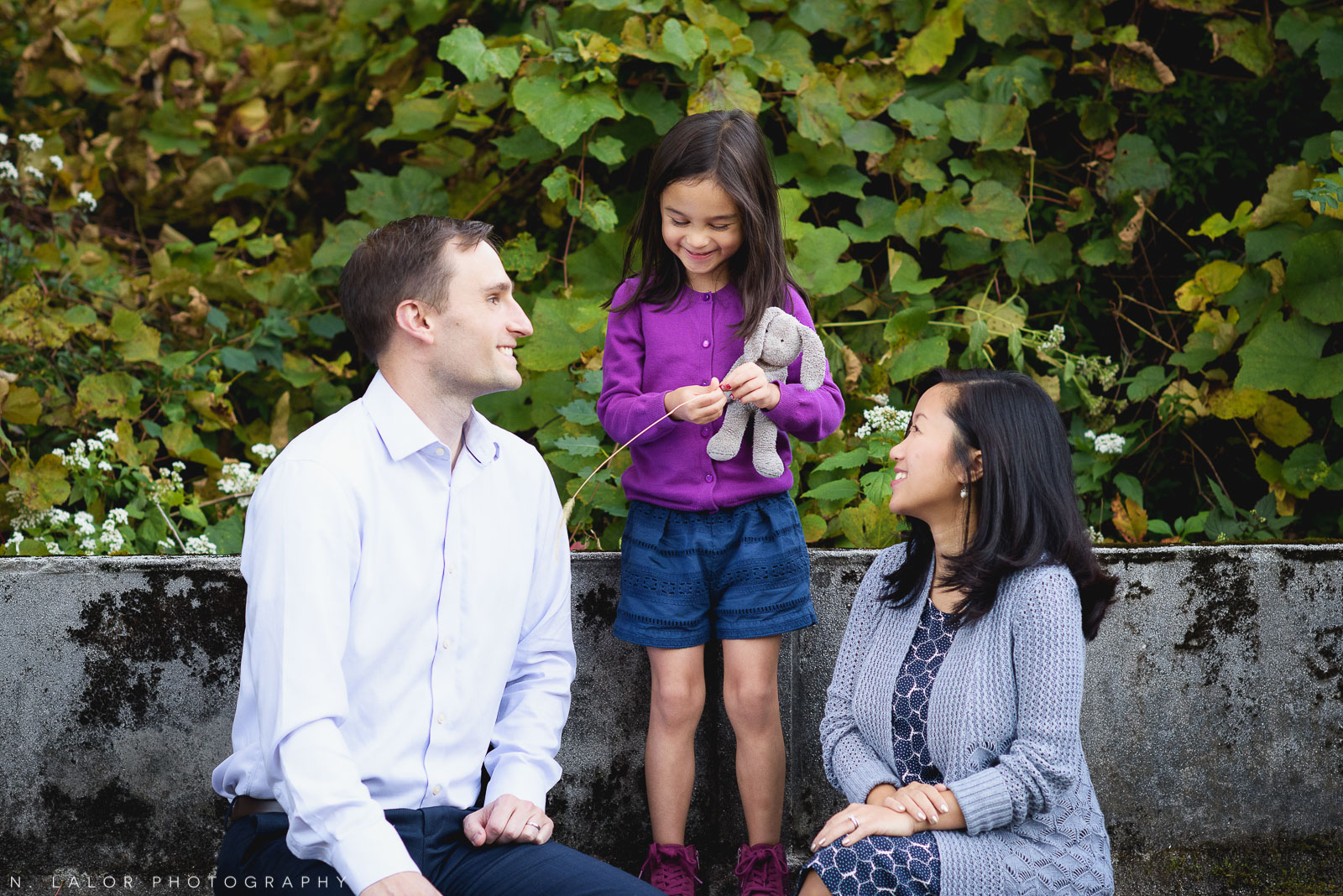 Lifestyle family portrait by N. Lalor Photography. Waveny Park, New Canaan, Connecticut.