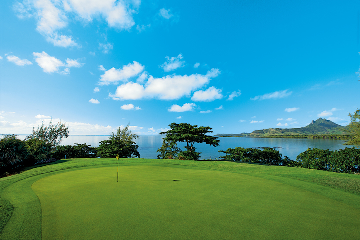 The Ile aux Cerfs Golf Club