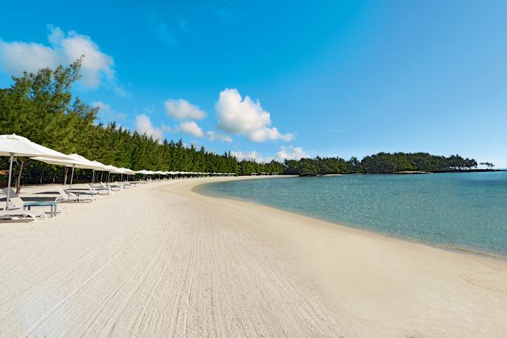 Flibustiers Beach - Golfers' Exclusive beach at Ile aux Cerfs