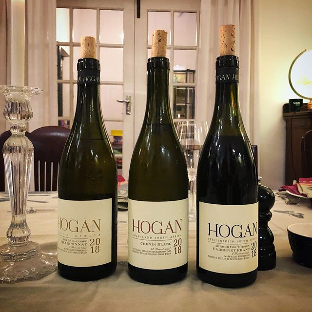 HOGAN WINES 2018 Jocelyn Wilson @hoganwines has doubled the number of cuvées, from two to four. Both the crisp cold climate Chardonnay and the non-vegetal Cab Franc blew me away! 🙌🏼👊🏼👏🏼 ⠀⠀⠀⠀⠀⠀⠀ #hoganwines #southafricanwine #chardonnay #cabernetfranc #cheninblanc #newwavesa