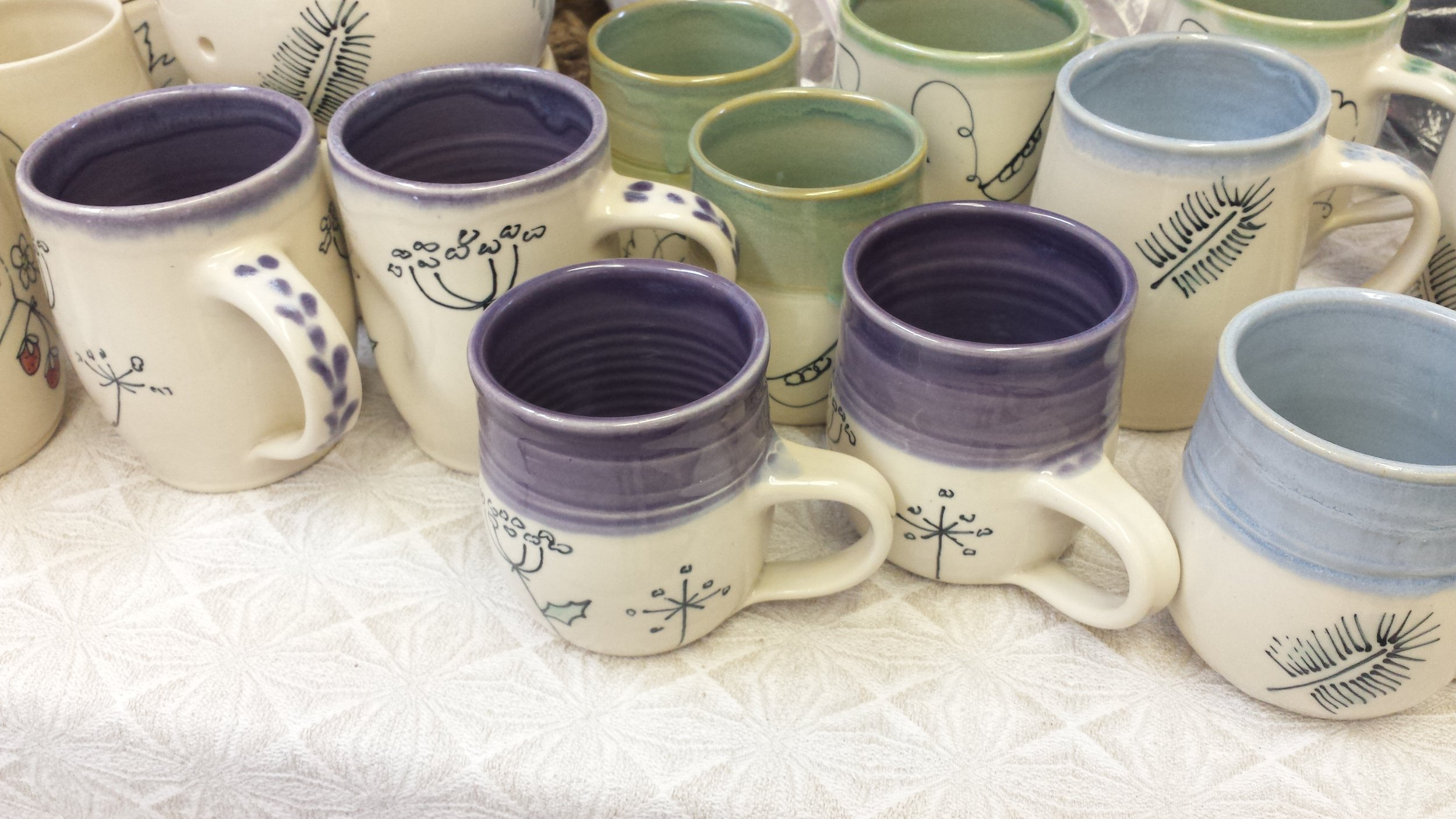 Some new mugs amongst other gift items....these are by Anne Pryde and match the yarn bowls that I have carry....a lovely gift idea for the upcoming season (or anytime)