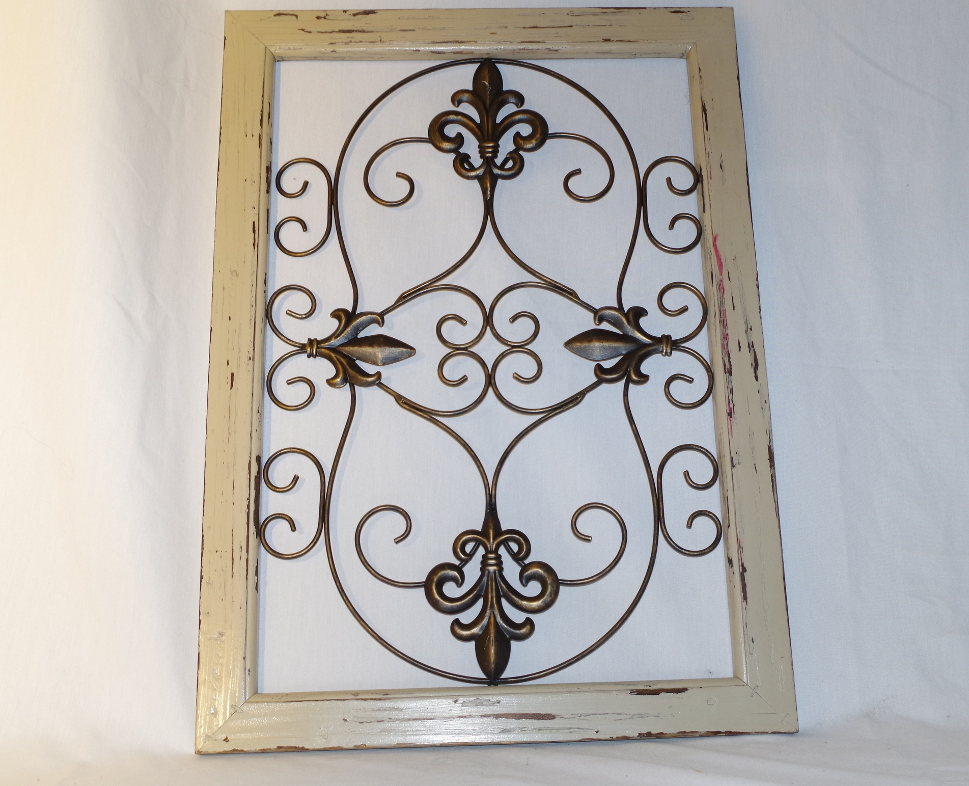 Openwork Metal Wall Art