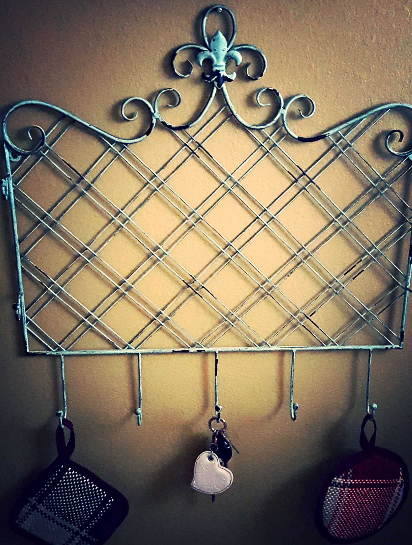 Metal Wall Decoration with Hooks
