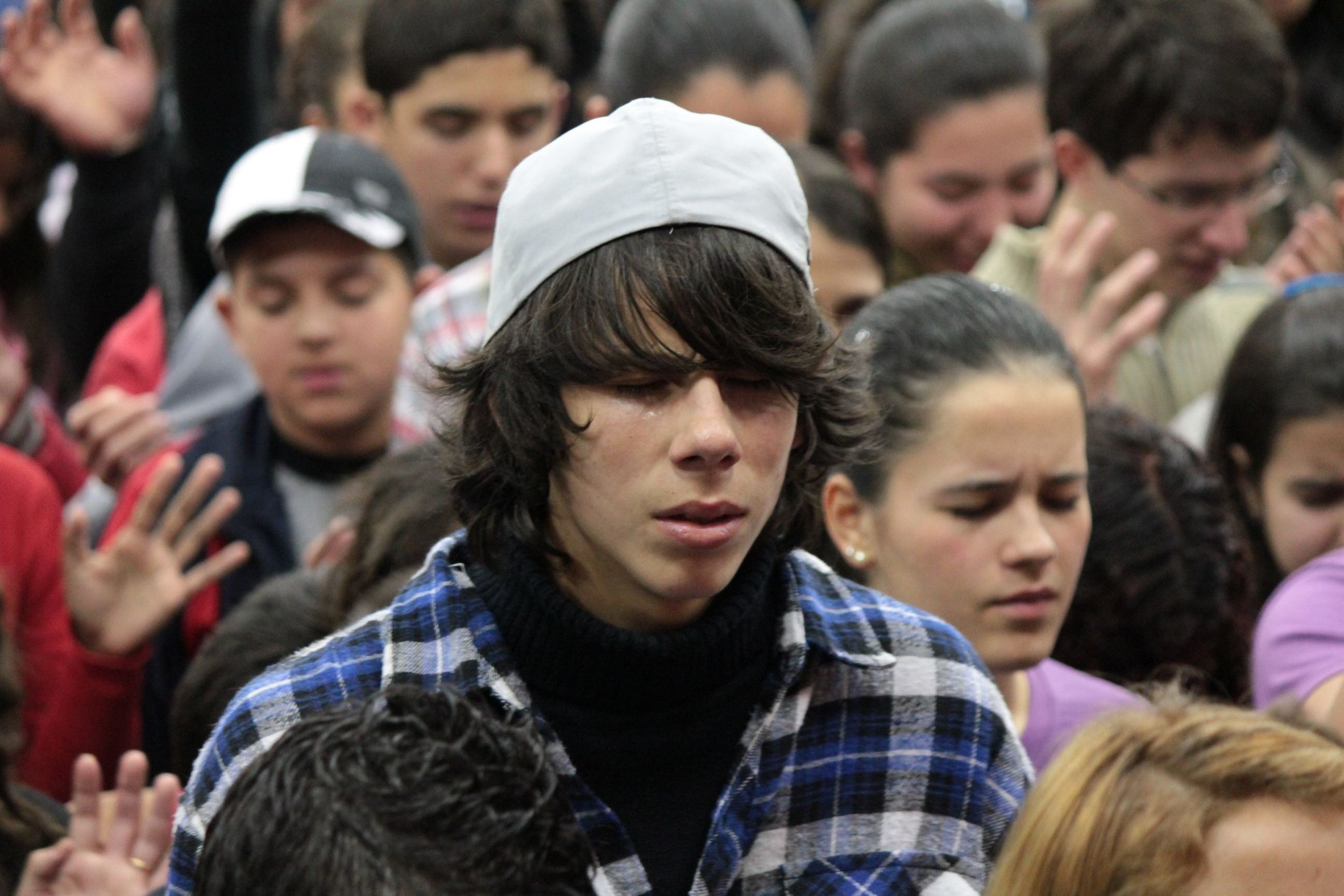 hat cry.jpg