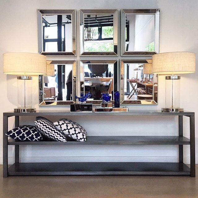 •• consola metal 2 estantes [2,20x40x75h] • espejos rectangulares [52x64] • lámparas cilindro vidrio • almohadones geométricos • bandeja espejo • cajas espejo • muranos ••#harturorecoleta #harturopalermo