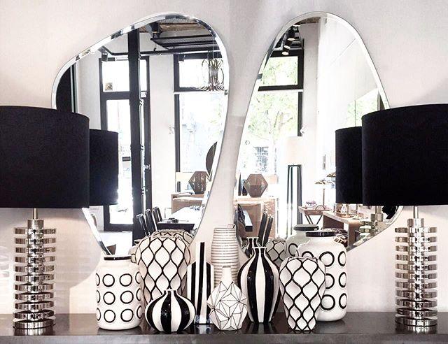 •• espejos triangulares • lámparas discos cromo • cerámicas b&n •• #harturorecoleta #harturopalermo