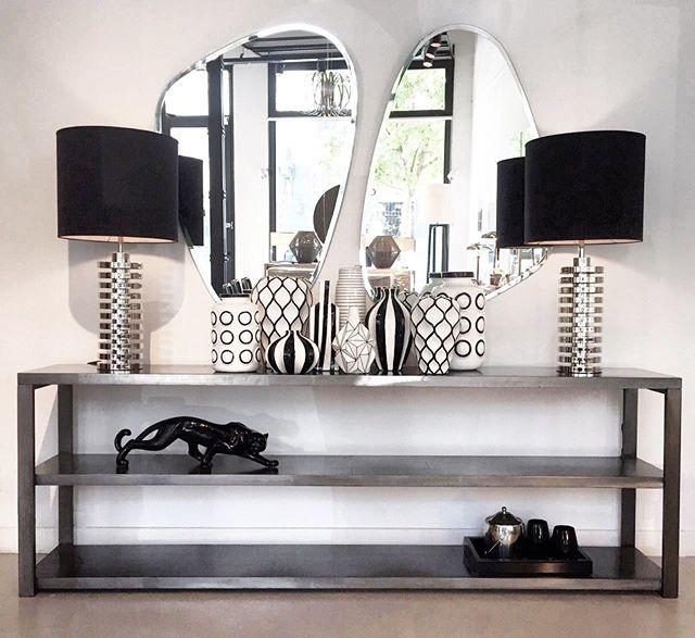 •• consola metal 2 estantes [2,20x40x75h] • espejos triangulares • lámparas discos cromo • cerámicas b&n • puma cerámica • hielera • vasos bombee • bandeja espejada ••#harturorecoleta #harturopalermo