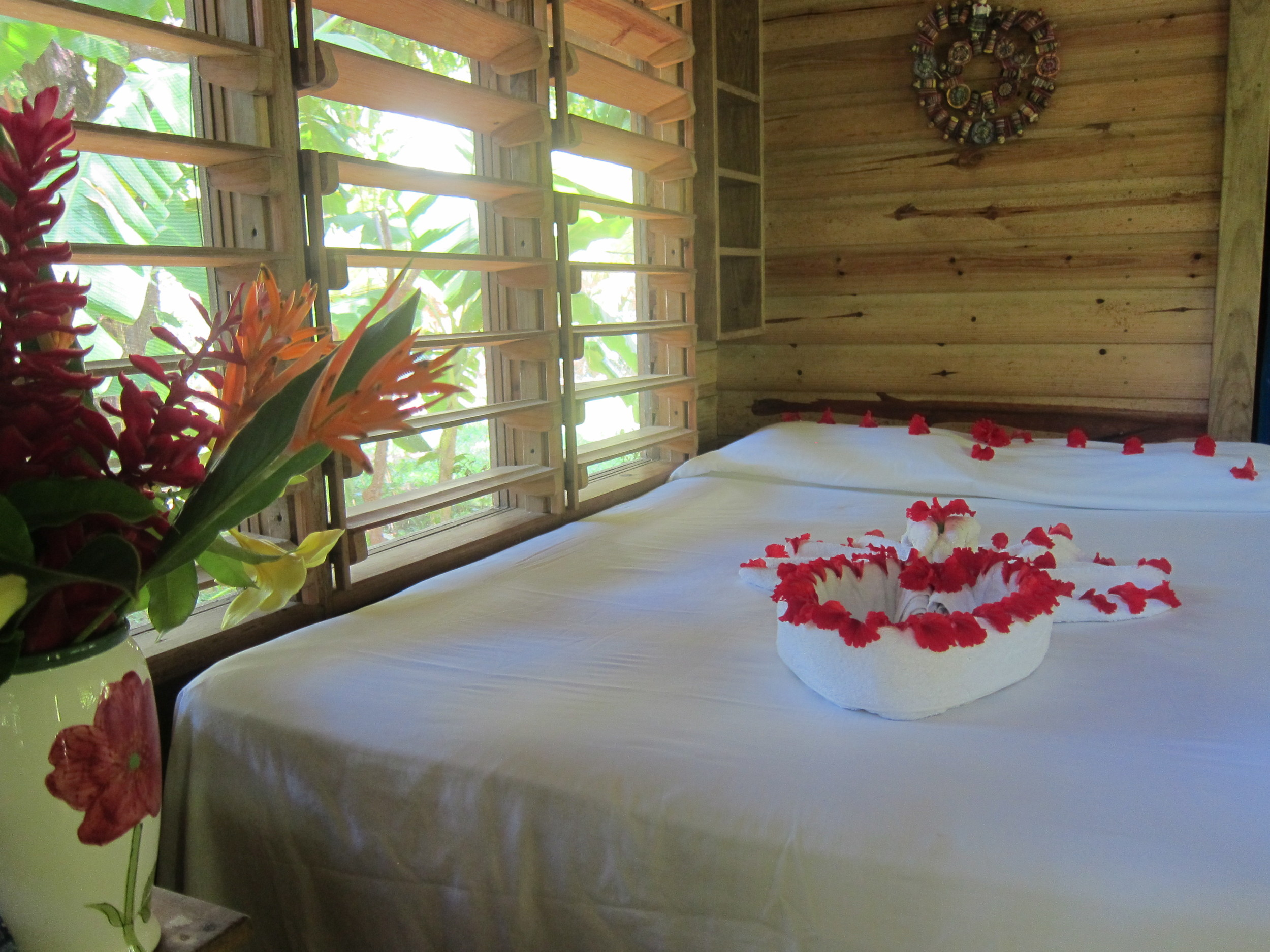 Garden cabins, budget accommodation, beachfront, West End, Roatan, Honduras