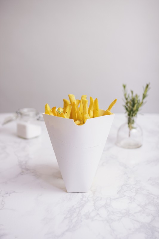 Vegware_concept_fastfood_01CC_fries_marble_table_portrait_800x.jpg