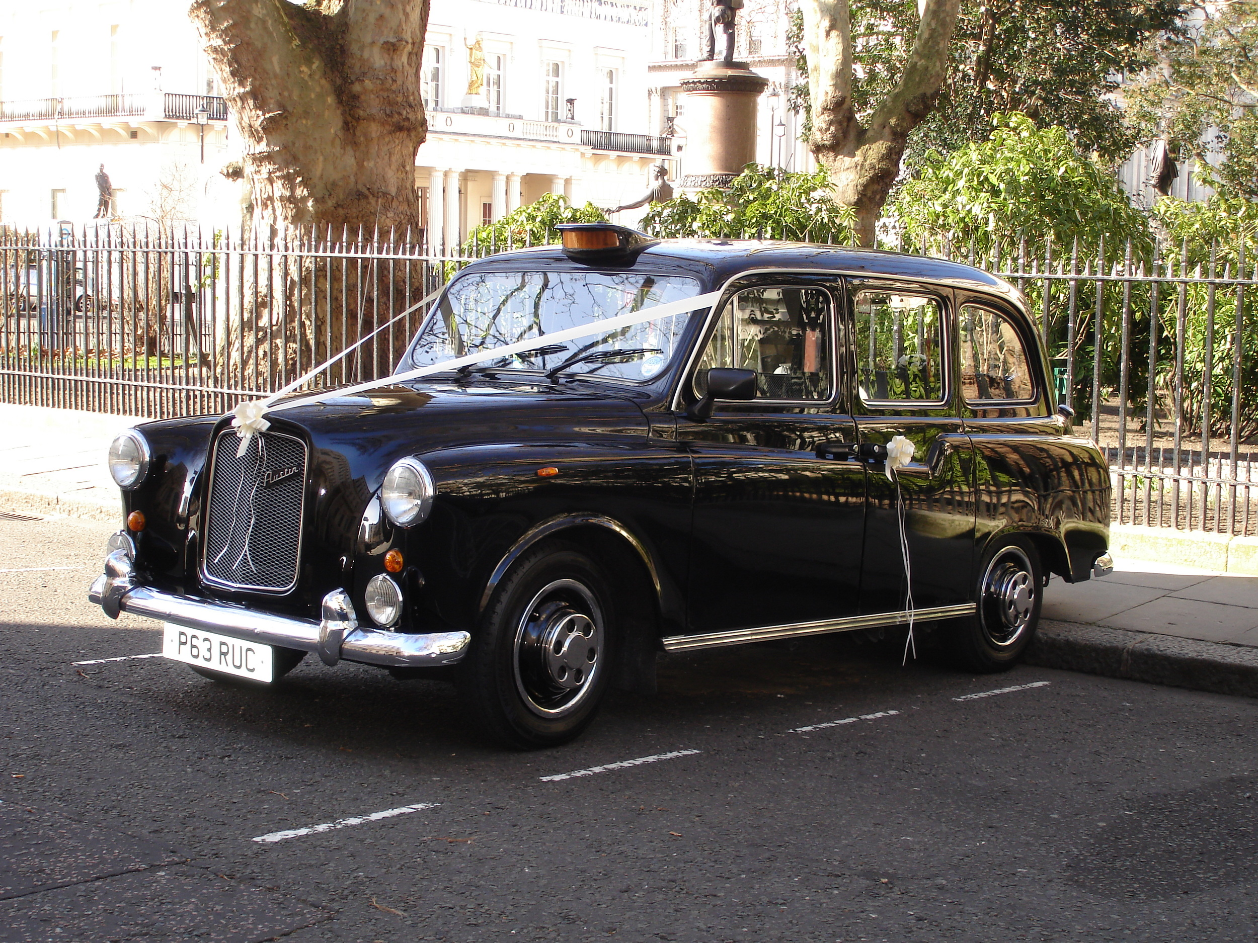 Black & White Wedding Taxi Hire