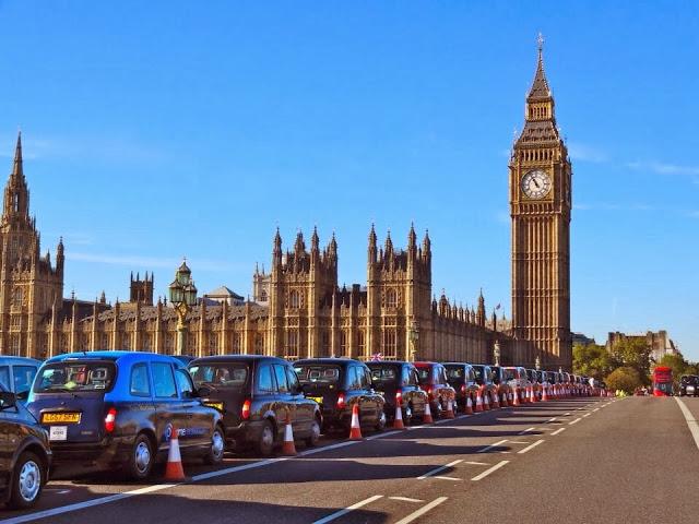 Poppy Cabs Westminster Bridge