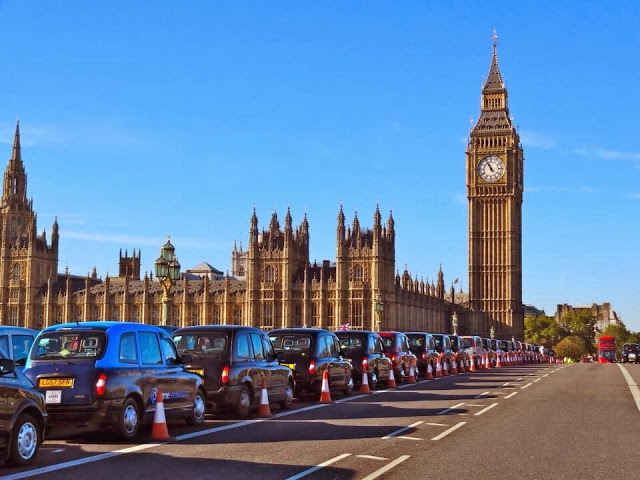 London Taxis line up along Westminster Bridge