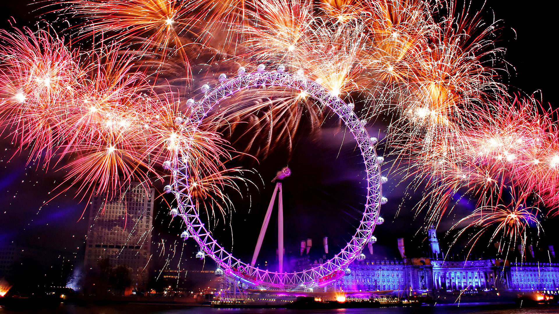 London's spectacular New Year fireworks