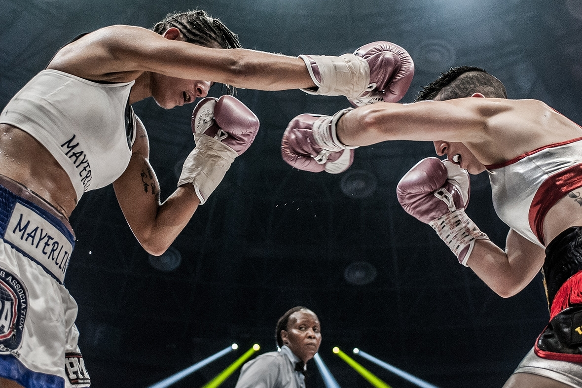 "On June 18, 2016, ""La Batalla de Campeonas"" was held, the first all-female boxing card. The stellar fight was the defense of Mayerling's title ""La Monita"" Rivas against Melania ""Chony"" Sorroche. Photo by   Clara González"