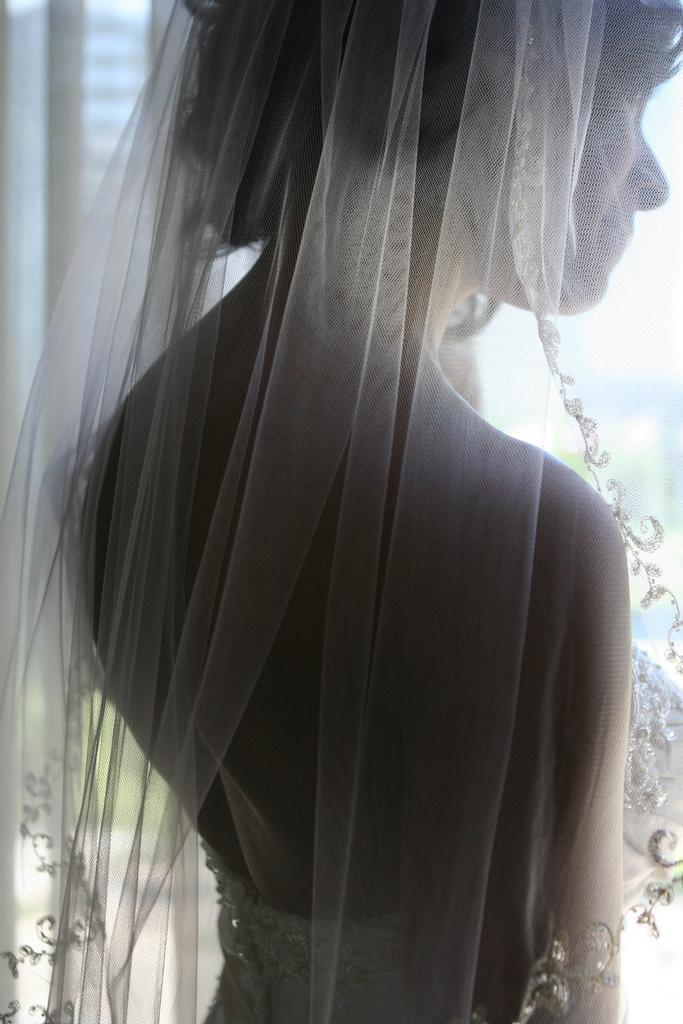 all_7_alla-back-veil.jpg