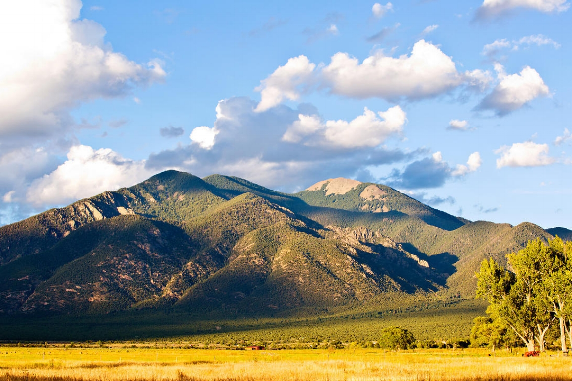 Taos Mountain.jpg